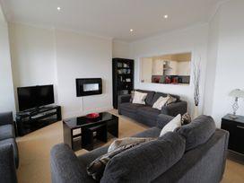 Apartment 3 Marian Y Mor - North Wales - 967080 - thumbnail photo 2