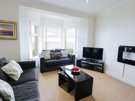 Apartment 3 Marian Y Mor - North Wales - 967080 - thumbnail photo 3