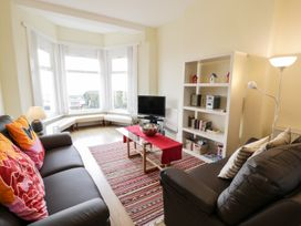Apartment 1, 10 West End Parade - North Wales - 967864 - thumbnail photo 2