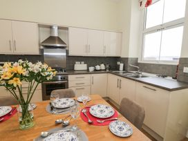 Apartment 1, 10 West End Parade - North Wales - 967864 - thumbnail photo 6