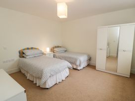 Apartment 1, 10 West End Parade - North Wales - 967864 - thumbnail photo 8