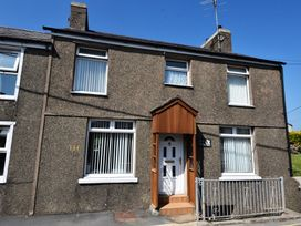 Glyn Afon - North Wales - 967871 - thumbnail photo 1