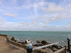Sea Glimpses - Isle of Wight & Hampshire - 967997 - thumbnail photo 29