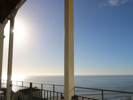 Distant Shores - Isle of Wight & Hampshire - 968071 - thumbnail photo 2