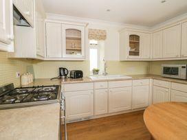 Bluebell Cottage at Honeywood - Somerset & Wiltshire - 968161 - thumbnail photo 9