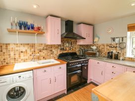 Muddykins Cottage - Devon - 968170 - thumbnail photo 8