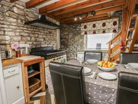 Kennel Master Cottage - Whitby & North Yorkshire - 968959 - thumbnail photo 8
