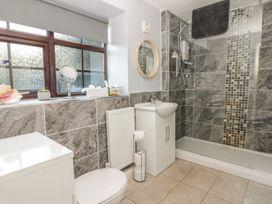 Glebe Hall Apartment - Whitby & North Yorkshire - 969177 - thumbnail photo 9