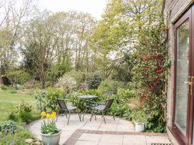 Flintstones - Somerset & Wiltshire - 969197 - thumbnail photo 16