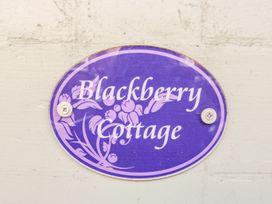 Blackberry Cottage - Peak District - 969464 - thumbnail photo 2