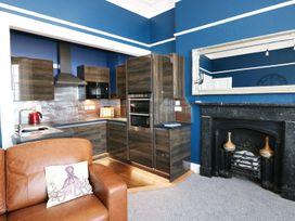Apartment 3 - South Wales - 969559 - thumbnail photo 4