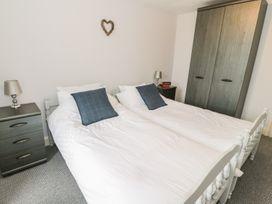K&S Apartment - North Wales - 969569 - thumbnail photo 10