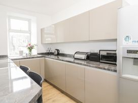 K&S Apartment - North Wales - 969569 - thumbnail photo 7