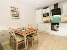 Captain's Quarters - Apartment 2 - Anglesey - 969581 - thumbnail photo 6