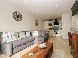 Captain's Quarters - Apartment 2 - Anglesey - 969581 - thumbnail photo 3