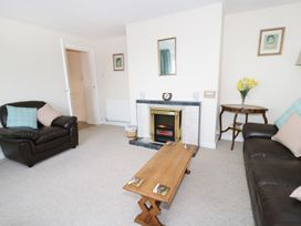Gwnus Bungalow - Anglesey - 969943 - thumbnail photo 2