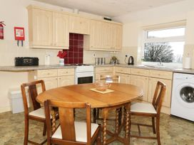 Gwnus Bungalow - Anglesey - 969943 - thumbnail photo 6
