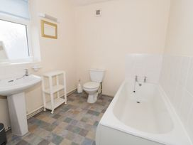 Gwnus Bungalow - Anglesey - 969943 - thumbnail photo 10