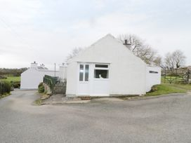Gwnus Bungalow - Anglesey - 969943 - thumbnail photo 12