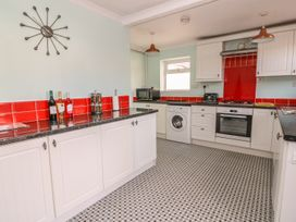 62 Danlan Road - South Wales - 970108 - thumbnail photo 8