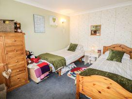 Brading Cottage - Isle of Wight & Hampshire - 970393 - thumbnail photo 11