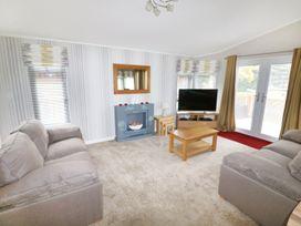 2 Haveringland Hall Holiday Lodge Park - Norfolk - 971037 - thumbnail photo 5