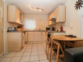 85 Lower Lakeside Chalet - North Wales - 972147 - thumbnail photo 4
