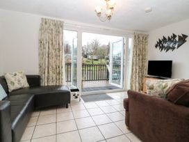 85 Lower Lakeside Chalet - North Wales - 972147 - thumbnail photo 2