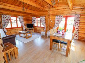 Ash Lodge - Lincolnshire - 972991 - thumbnail photo 4