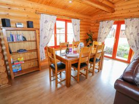Willow Lodge - Lincolnshire - 972994 - thumbnail photo 4