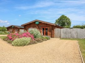 Willow Lodge - Lincolnshire - 972994 - thumbnail photo 2