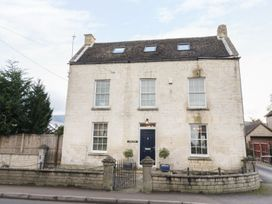 4 bedroom Cottage for rent in Stroud