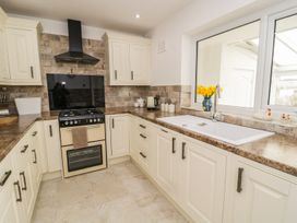 Rhos Cottage - Anglesey - 973870 - thumbnail photo 8