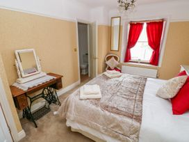 Castle School House - South Wales - 973874 - thumbnail photo 14