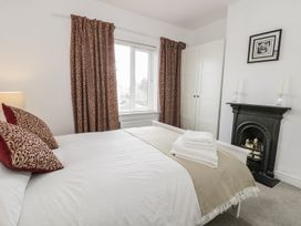 21 Wellington Road - Whitby & North Yorkshire - 973926 - thumbnail photo 13
