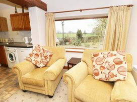 Meadow Cottage - Whitby & North Yorkshire - 974387 - thumbnail photo 3