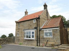 Swang Cottage - Whitby & North Yorkshire - 974428 - thumbnail photo 2