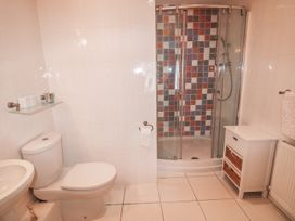 24 Rhodewood House - South Wales - 974682 - thumbnail photo 7