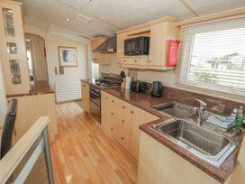 Coed Llai Lodge - Anglesey - 975033 - thumbnail photo 6