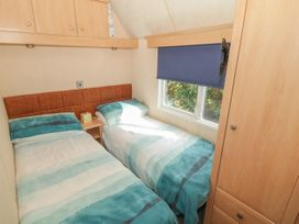 Coed Llai Lodge - Anglesey - 975033 - thumbnail photo 9