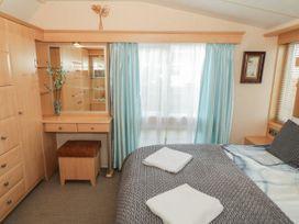 Coed Llai Lodge - Anglesey - 975033 - thumbnail photo 8