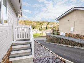 Lodge 66 - South Wales - 975043 - thumbnail photo 12