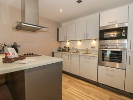 Scarborough Apartments - Two Bed (1) - Whitby & North Yorkshire - 975361 - thumbnail photo 7