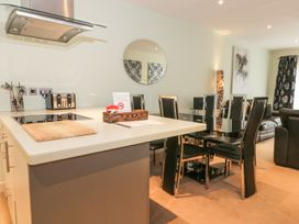 Scarborough Apartments - Two Bed (2) - Whitby & North Yorkshire - 975362 - thumbnail photo 4