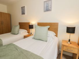 Scarborough Apartments - Two Bed (2) - Whitby & North Yorkshire - 975362 - thumbnail photo 7