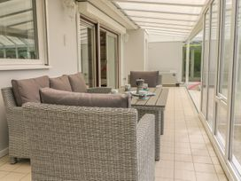 Hengist Beach House - Dorset - 975381 - thumbnail photo 9