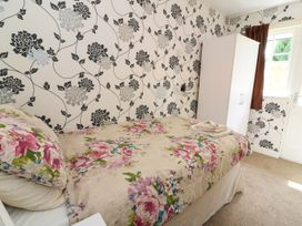 Honeysuckle Cottage - Mid Wales - 975520 - thumbnail photo 8