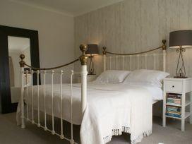 Compton House - Somerset & Wiltshire - 975951 - thumbnail photo 24