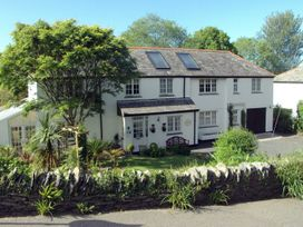5 bedroom Cottage for rent in Tintagel