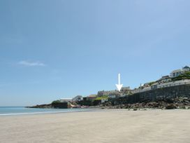 4 bedroom Cottage for rent in Coverack